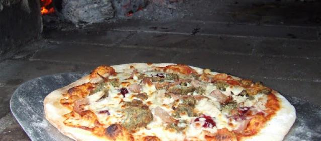 Ham turkey Stuffing Cranberry pizza