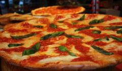 Which pizza places are making the most money