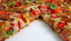 Cafe Sucre's Strawberry Balsamic Chicken Pizza