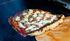 pizza-on-the-grill